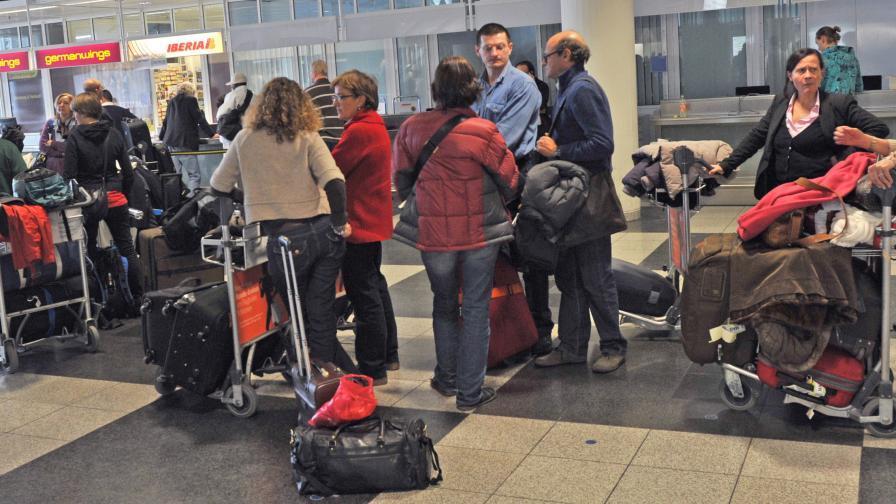 Затвориха летищата в Северна Германия