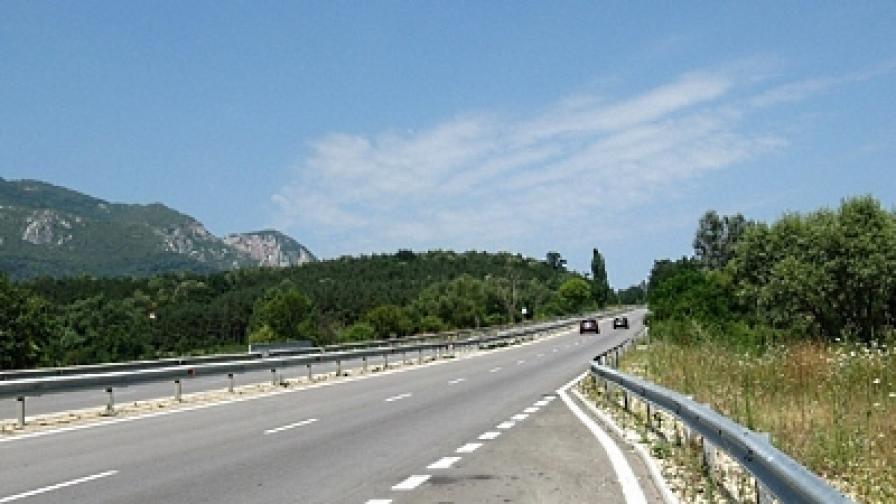 Ремонт на пътя Плевен-Ловеч, изоставен 26 години