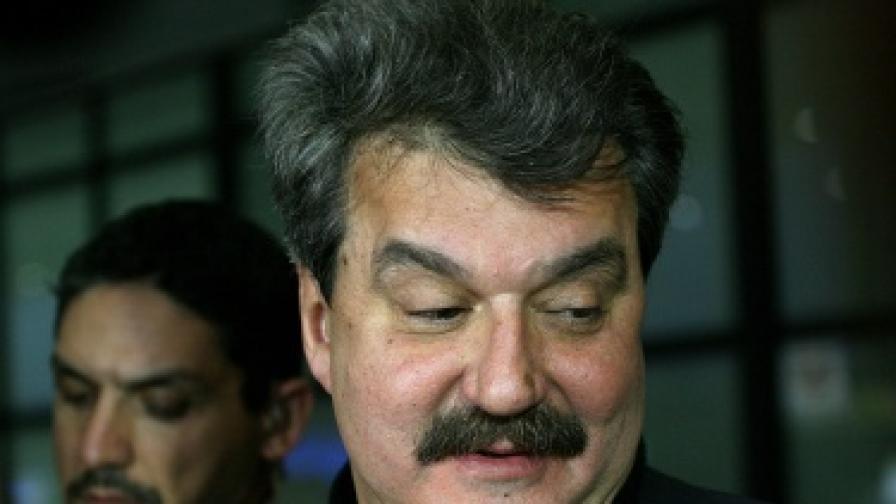 """Тодор Батков продаде 34% от в. """"Стандарт"""" на фирма, близка до """"Винпром Пещера"""""""