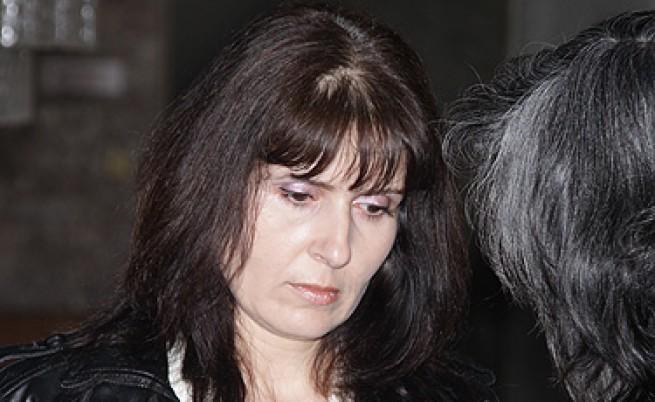 Окончателна условна присъда за учителката, обрала банка