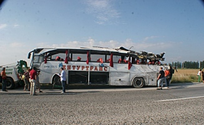 Повдигнаха обвинение на шофьора на автобуса на