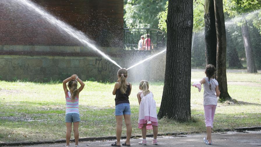 След задуха и жегата днес синоптиците обещават разхлаждане