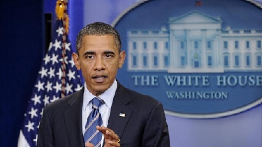 Родителите на Обама обмисляли да го дадат за осиновяване?