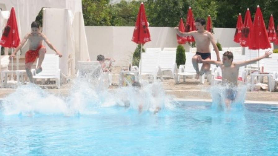 "Германче се удави в басейн в ""Златни пясъци"""