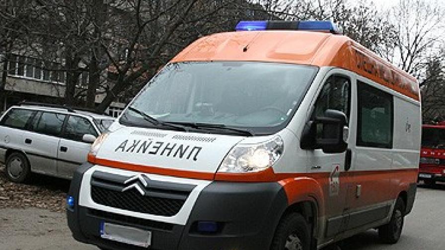 Трима маскирани са отровили с киселина мъж от димитровградско село
