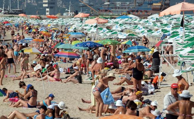 Чужденците почиват по-дълго от българите
