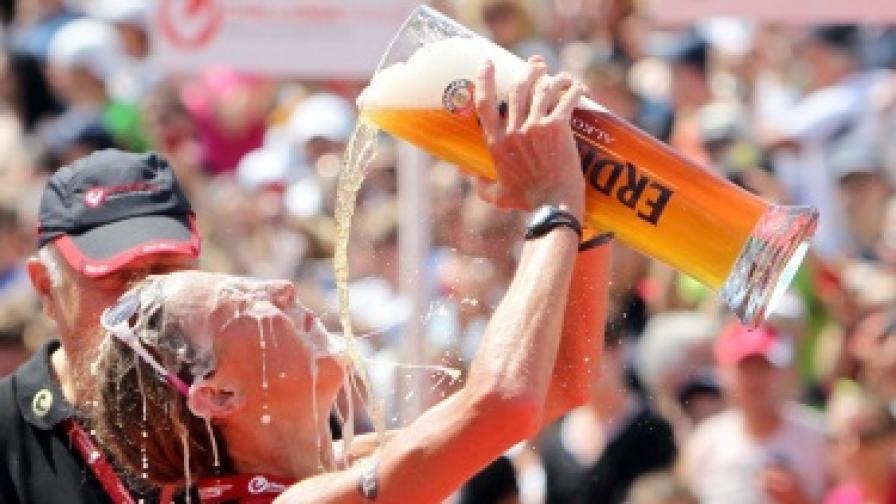 В жегата пием по-малко алкохол