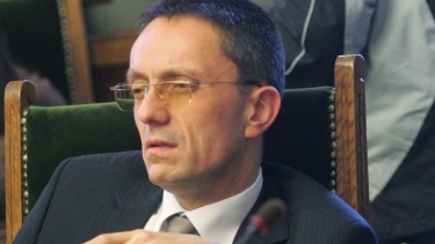 12 независими депутати ще подкрепят правителството при вота на недоверие