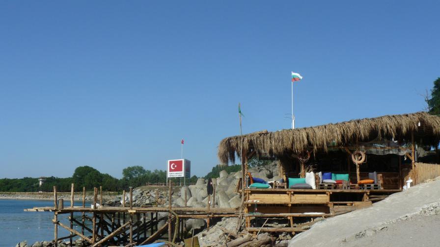 Проверяват концесионерите на плажовете с джипиес