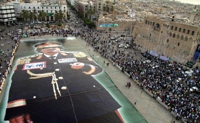 Кадафи търси пиар специалисти за подобряване на имиджа си