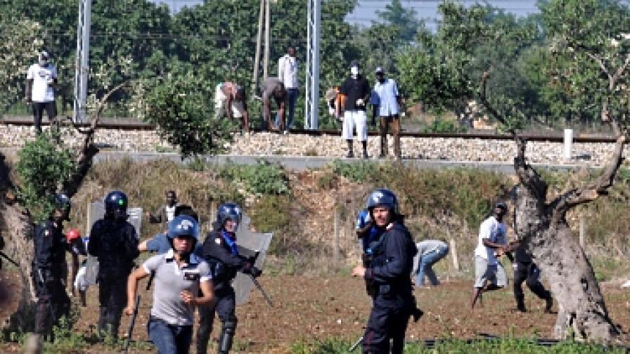 Сблъсъци на имигранти и полиция в италианския град Бари