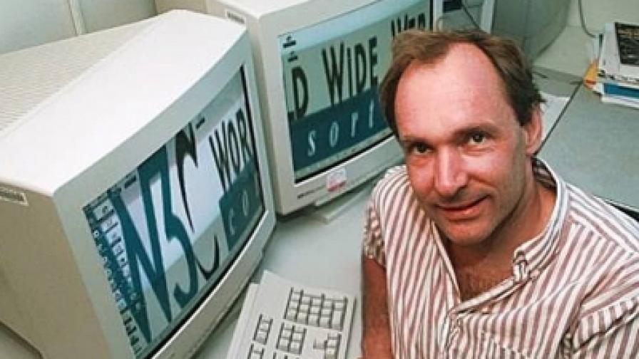 Една от малкото снимки на Тимъти Джон Бърнърс-Лий - от 1989 г.