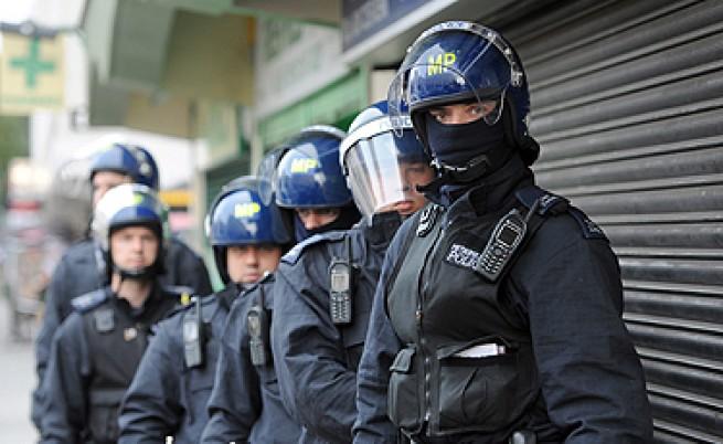 Във Великобритания мародери и полиция се надцакват технологично
