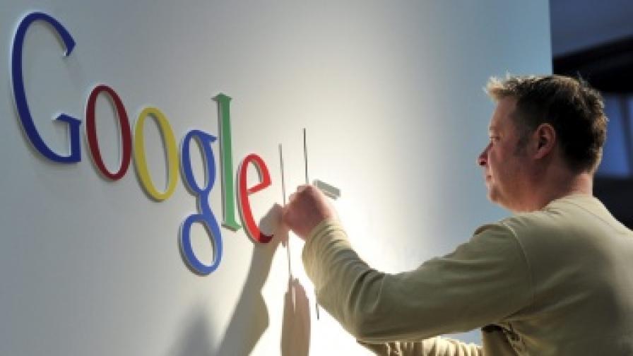 """""""Гугъл"""" купува """"Моторола"""" за $12,5 млрд."""