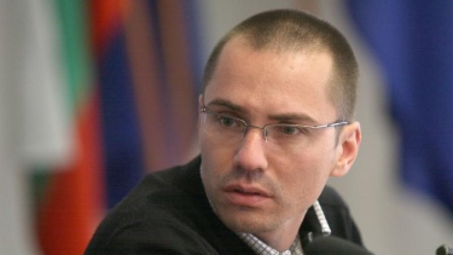 Ангел Джамбазки: Въоръженият мъж е свободен мъж