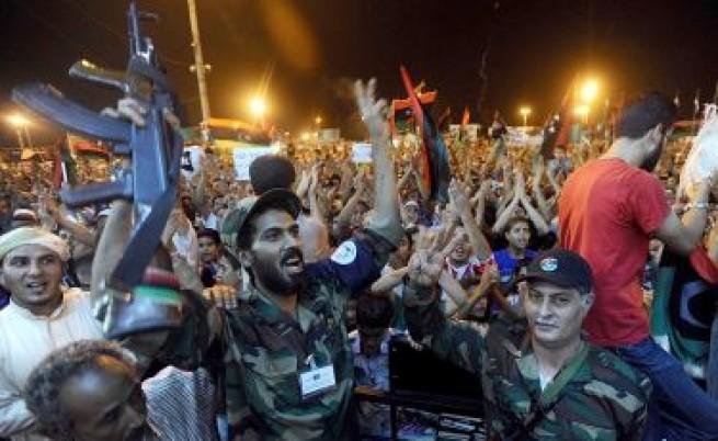 Либийските бунтовници на 8 км от центъра на Триполи