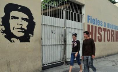 Бивш агент на ЦРУ осъди Куба да му плати 2,8 млрд. долара - Свят   Vesti.bg
