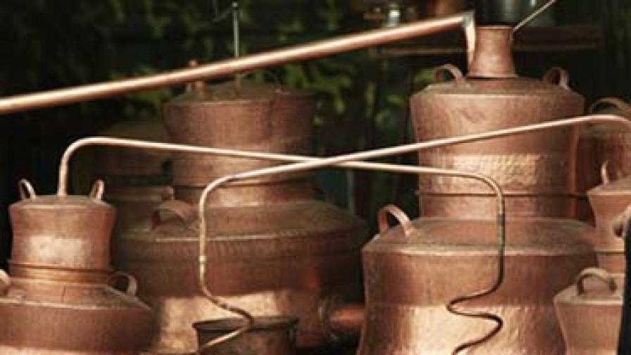 Вече и затвор за притежание на над 40 литра етилов алкохол в Румъния