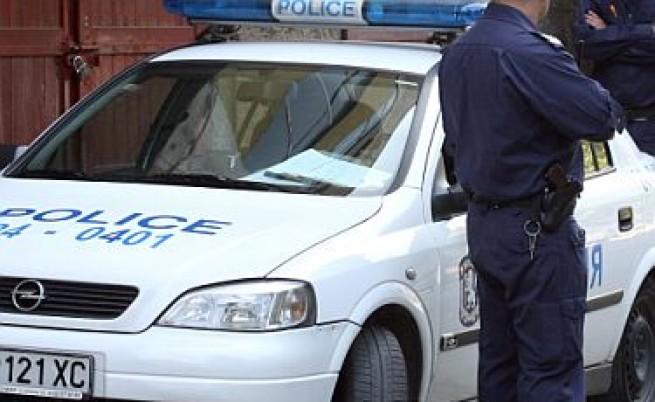 Известен убиец издирван за обир в Ботевград
