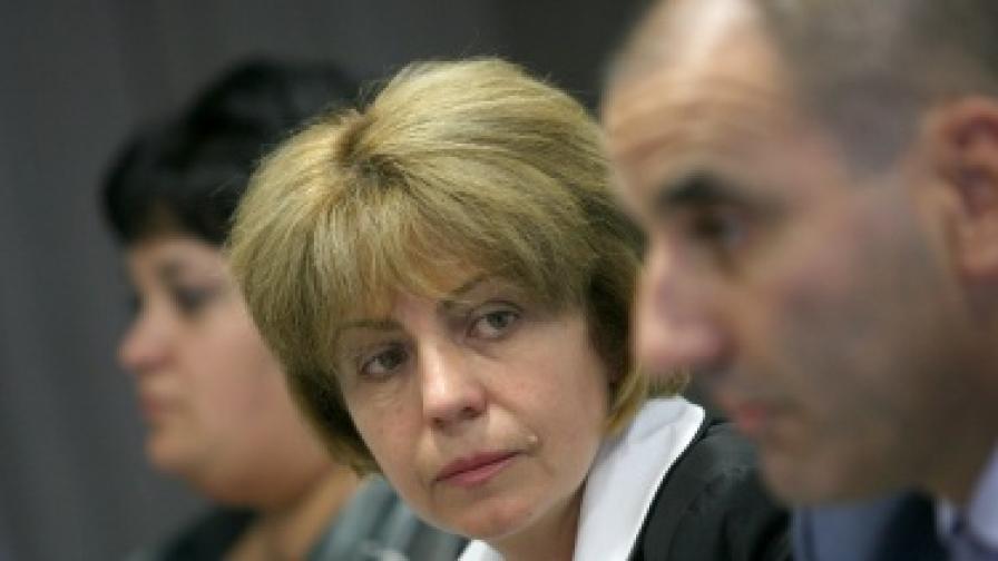 Йорданка Фандъкова и Цветан Цветанов по време на днешната пресконференция на ГЕРБ