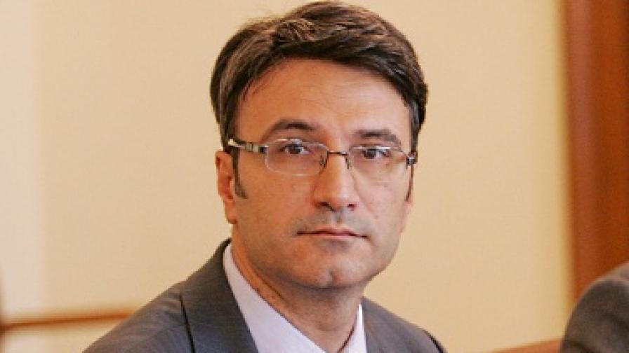 """Трайков за """"Булгартабак"""": Приоритетите в сделката са социални, а не пазарни"""