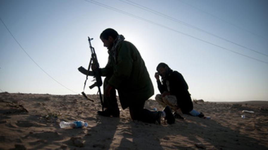 """""""Амнести"""" обвини и Кадафи, и бунтовниците във военни престъпления"""