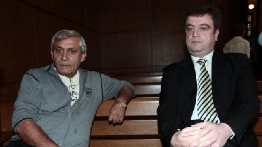 """Цветелин Кънчев, лидер на """"Евророма"""" (д) и Христо Василев - Ицо Папата (л)в Софийския градски съд"""