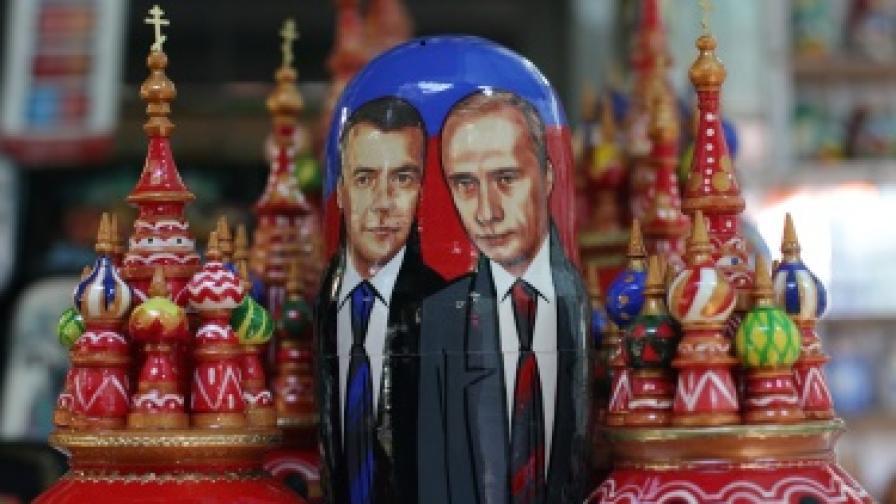 Съпротива в Кремъл срещу размяната на местата на Путин и Медведев