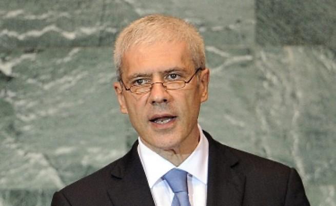 Тадич иска от НАТО да разследва КейФОР