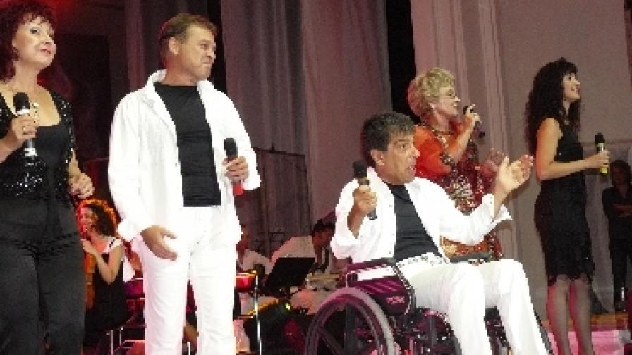 """След лечение в чужбина, осигурено с дарения, Гого от """"Тоника"""" отново е на сцената"""