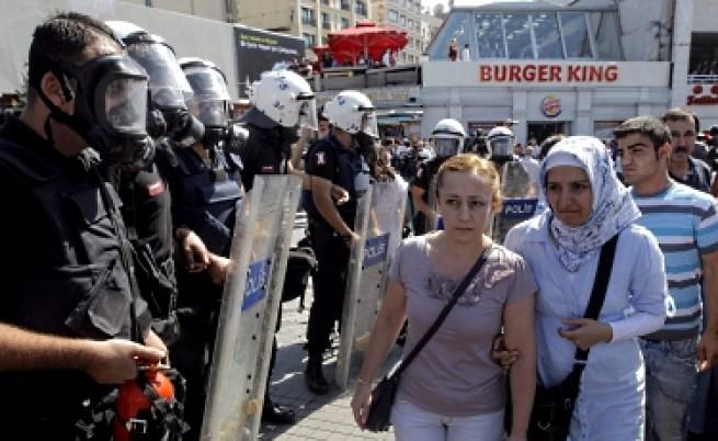 Над 120 арестувани при акция срещу кюрдска групировка