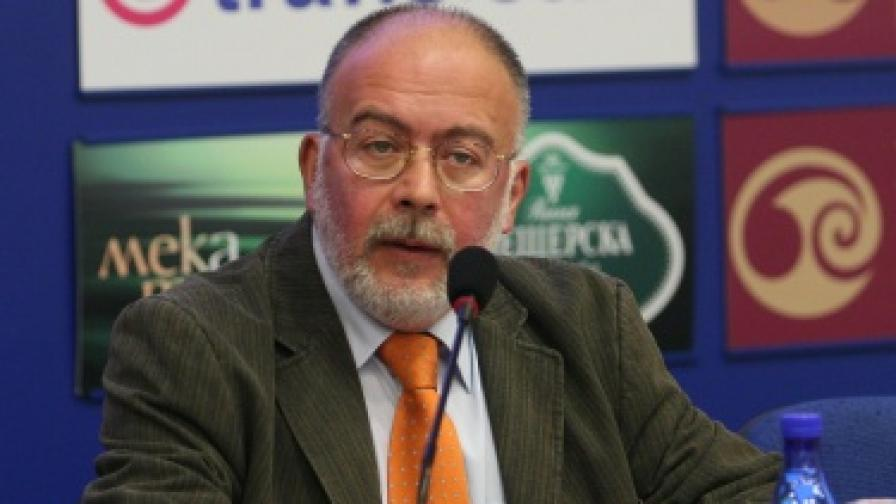 """Медиана"" прогнозира балотаж Фандъкова-Кадиев"
