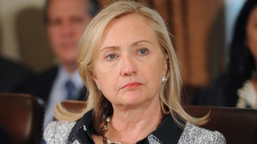 Клинтън: Оттеглям се след края на мандата