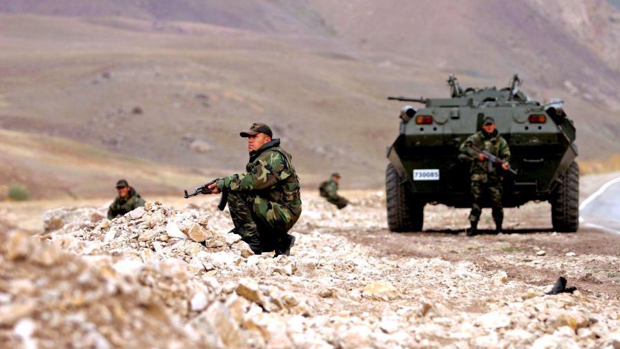 Военни действия между турската армия и кюрдски бунтовници