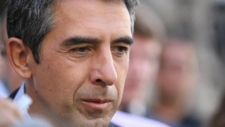 Плевнелиев: Нека изберем президент без Доган