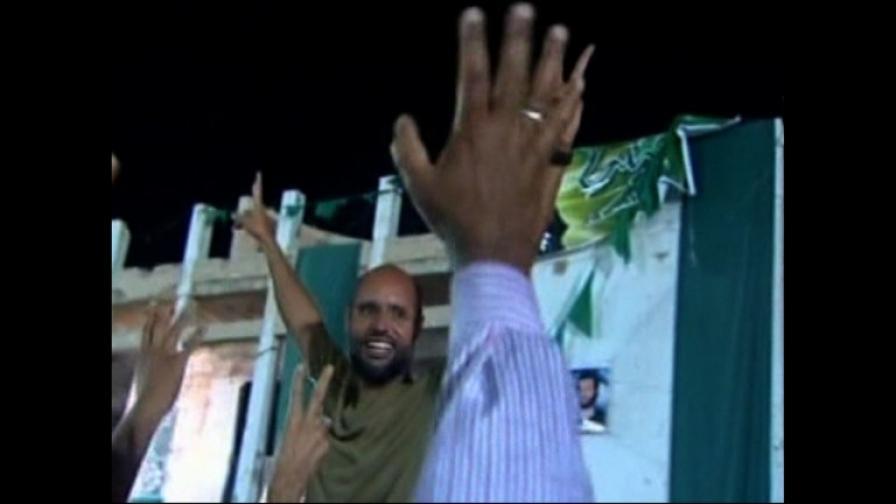 Край на зрелището с мъртвото тяло на Кадафи