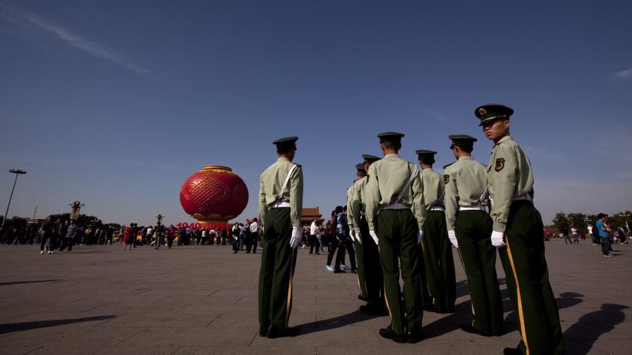 Китайската армия кани татуирани новобранци