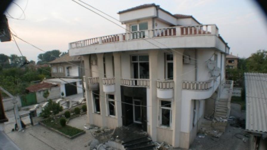Събарят 9 имота на Рашкови в Катуница