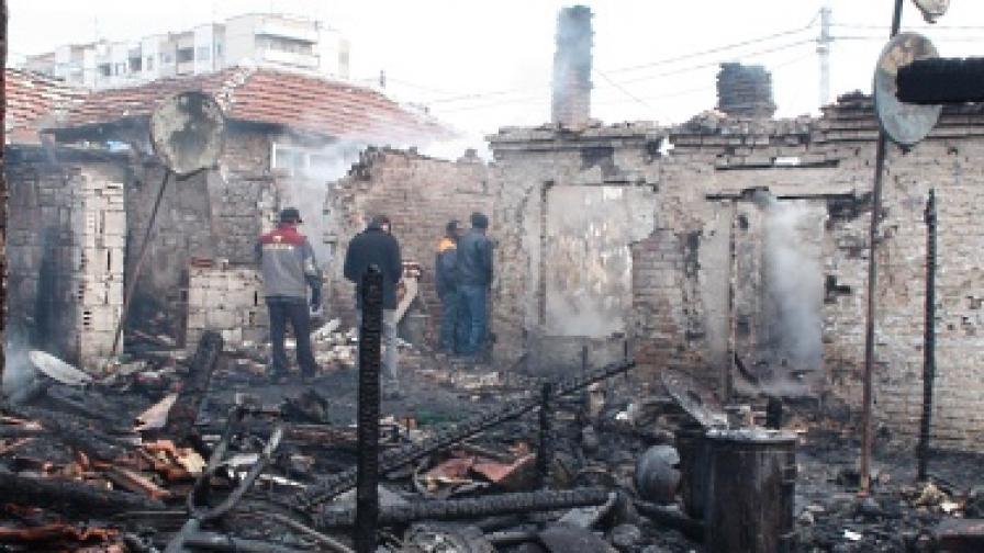Мъж загина при пожар в Бургас