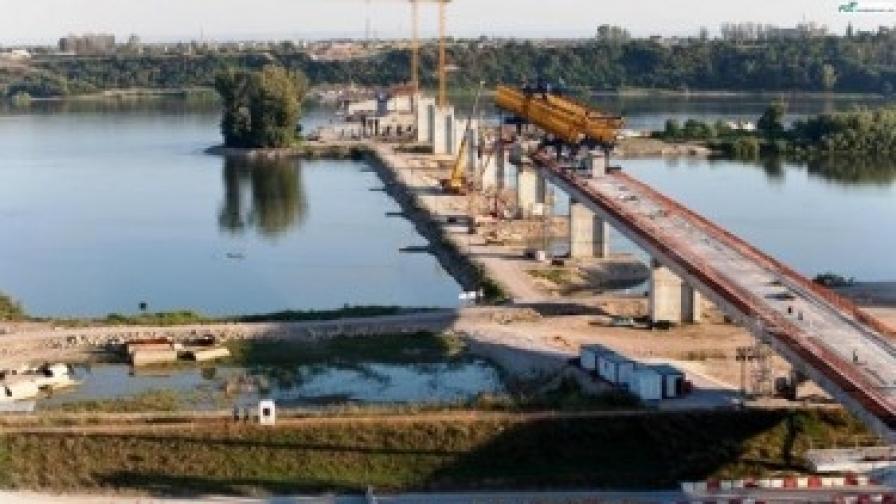 """В Румъния обвиняват България за """"Дунав мост 2"""""""