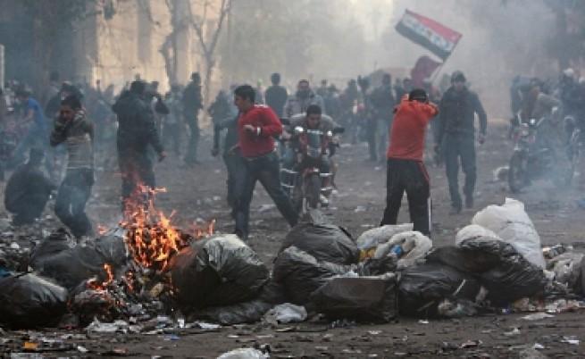 Армията се намеси на площад