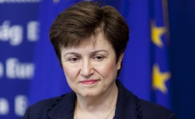 Кр. Георгиева: Пенсионна реформа е нужна заради застаряването на нацията