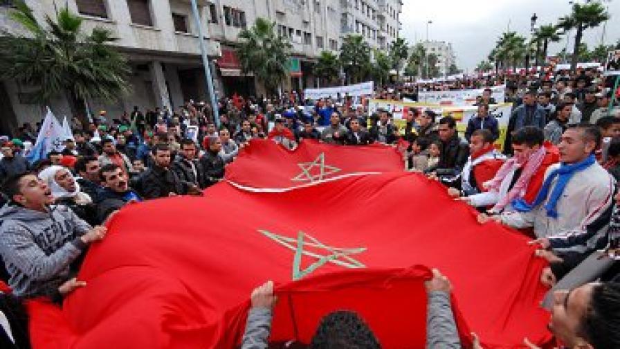 Изборите в Мароко - ислямисти печелят, но властта остава в ръцете на краля