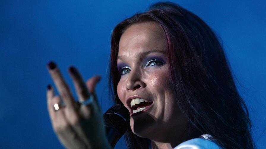 Местят концерта на Таря Турунен поради големия интерес