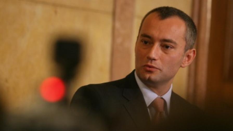 Н. Младенов: Намаляваме военното си присъствие в Афганистан от 2013 г.