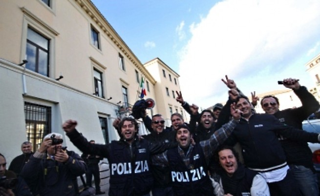 Италианската полиция залови голям мафиотски бос в бункер