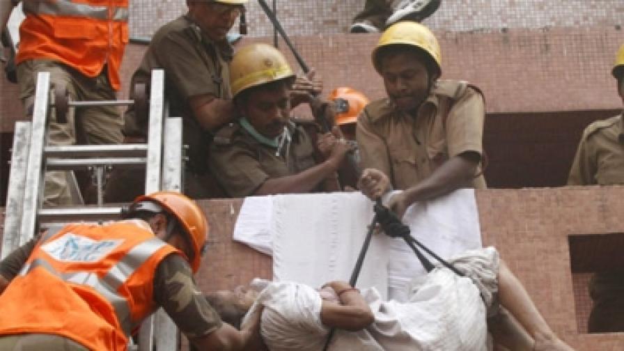 90 жертви при пожар в индийска болница
