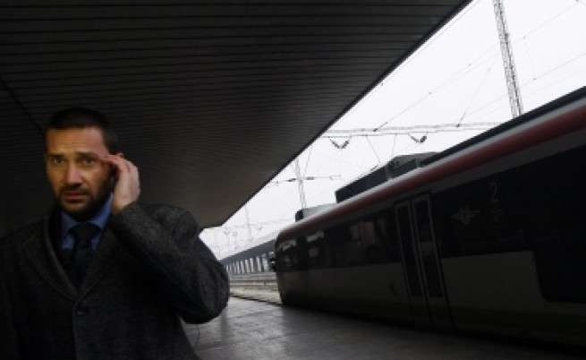 Намаляват заплати в БДЖ заради дълговете