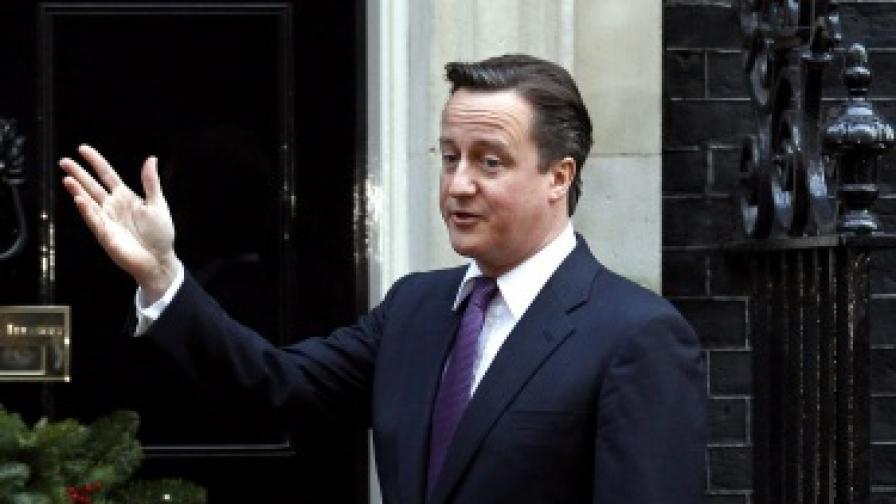 Камерън в мъглата. Великобритания е откъсната от Европа