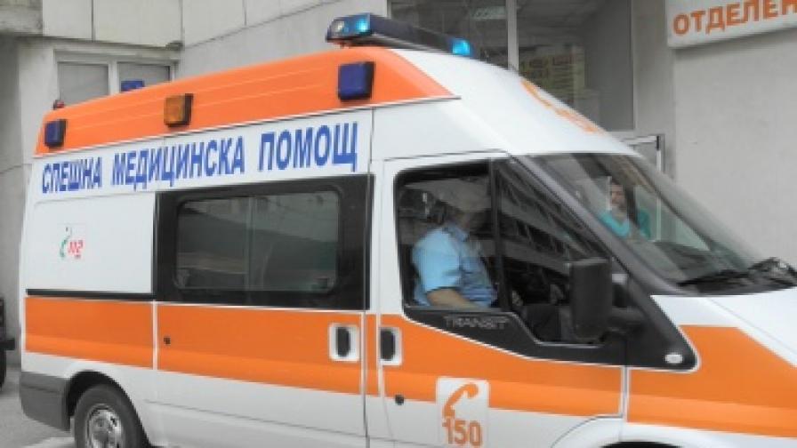 14 работници в болница след производствена авария в Елена